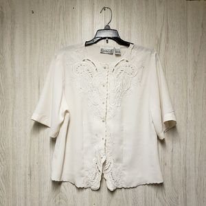 Christie & Jill Vintage Off White embroidery Top M